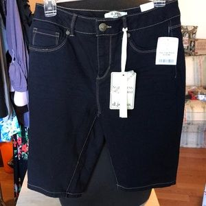 NWT d.jeans size 8 Bermuda shorts